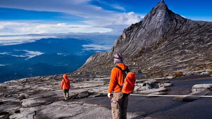 På toppen av fjellet Kinabalu
